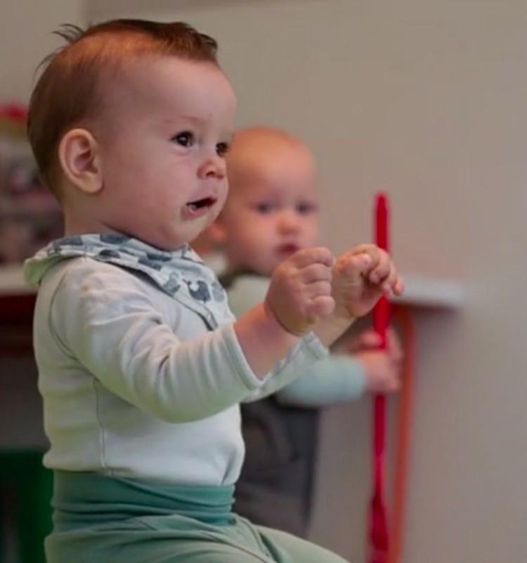 VIDEO: Mazuļa attīstība vienpadsmitajā dzīves mēnesī
