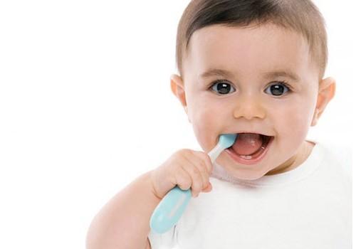 Viss par zobu kopšanu un zobu pastu izvēli