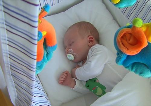 """VIDEOseriāls """"Es esmu piedzimis!""""- kā veidojas jaundzimušā piesaiste"""