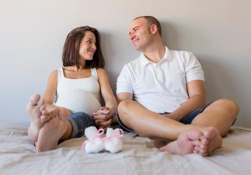 Kā saglabāt pāra attiecības pēc mazuļa piedzimšanas?