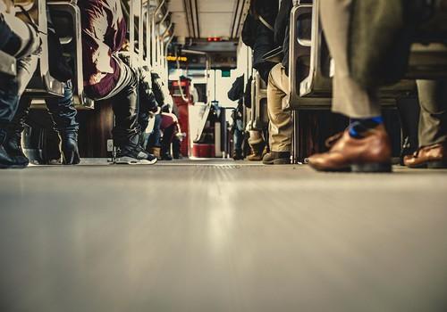 Bērnam laikus jāmāca, kā rīkoties baiļu situācijās uz ceļa un sabiedriskajā transportā