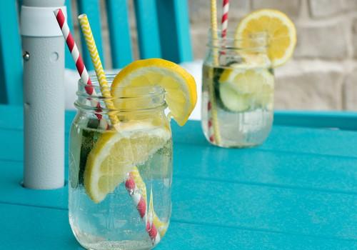 Piešķir ūdenim garšu: 21 veselīga recepte