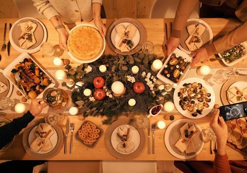 Tuvojas Ziemassvētki un Jaunais gads: kā tos gardi baudīt, nenodarot pāri veselībai?