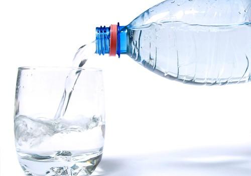 A/S Aldaris dāvina bērniem ūdeni !