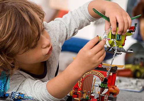 7 lietas, ko vari iemācīt bērnam caur rotaļām