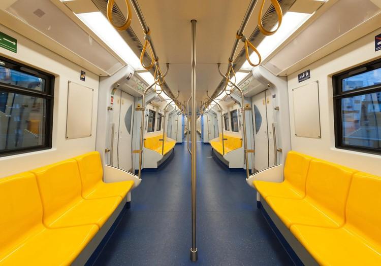 Māmiņu kluba aptauja: kā Tavs bērns izmanto sabiedrisko transportu Rīgā, dodoties uz skolu un mājām! Piedalies un laimē LEGO!