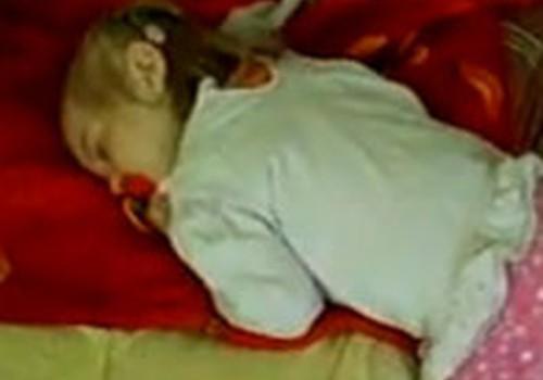 VIDEO: grūti tikt līdz gultai..