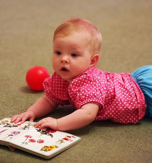Rotavīruss uzglūn arī vasarā. Kas jāzina par mazuļiem bīstamo vēdera vīrusu?