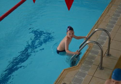 Emīls iemācījās peldēt!
