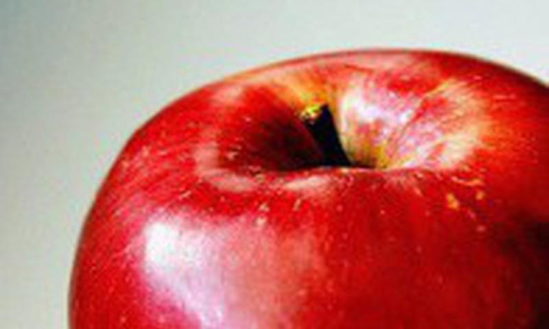 Latvijas skolēni līdzņemšanai uz skolu izvēlas ābolus, banānus un vīnogas
