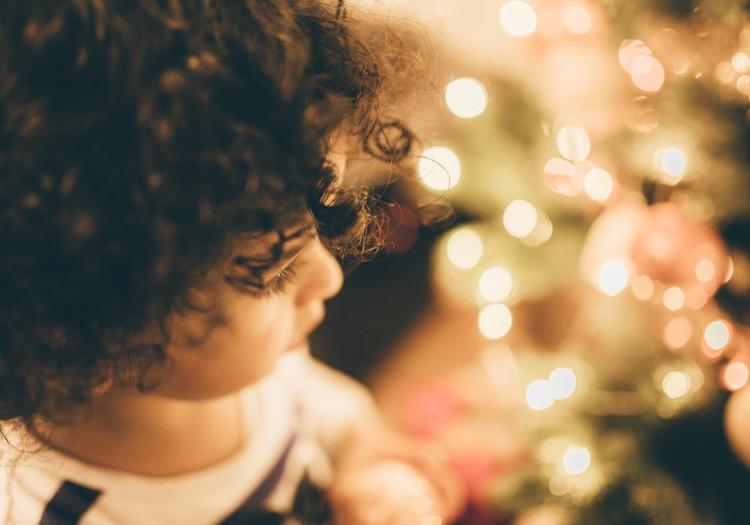 Aicina sarūpēt Ziemassvētku dāvanas bērniem - bēgļiem