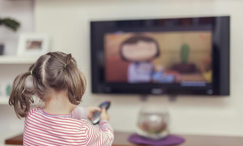 Viedtālruņi bērniem – vecāku palīgs vai bieds?