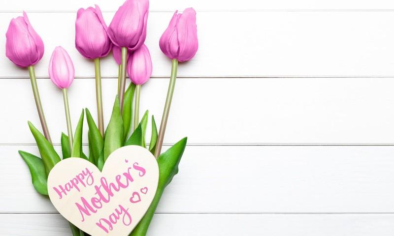 Svinam Mātes dienu: šis un tas par svinēšanas tradīcijām