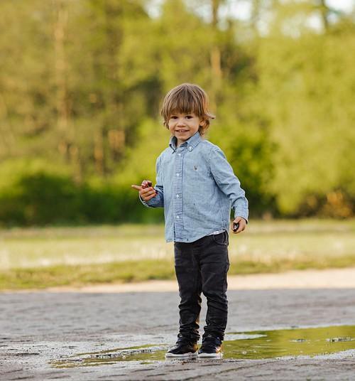 Kā iemācīt bērnam atpazīt savas emocijas?