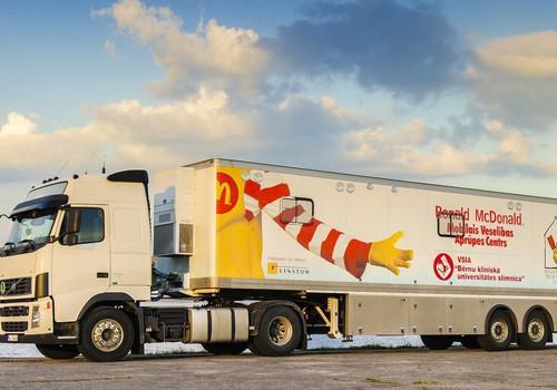 """""""McDonald's"""" labdarības kampaņā aicina atbalstīt Latvijas bērnus, nodrošinot bezmaksas ārstu vizītes"""
