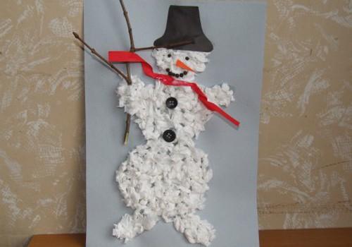 Gatavojam sniegavīru un vingrinām pirkstiņus