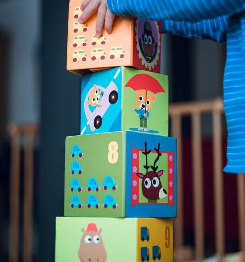 Kā rotaļāties ar 5 mēnešus vecu bērnu?