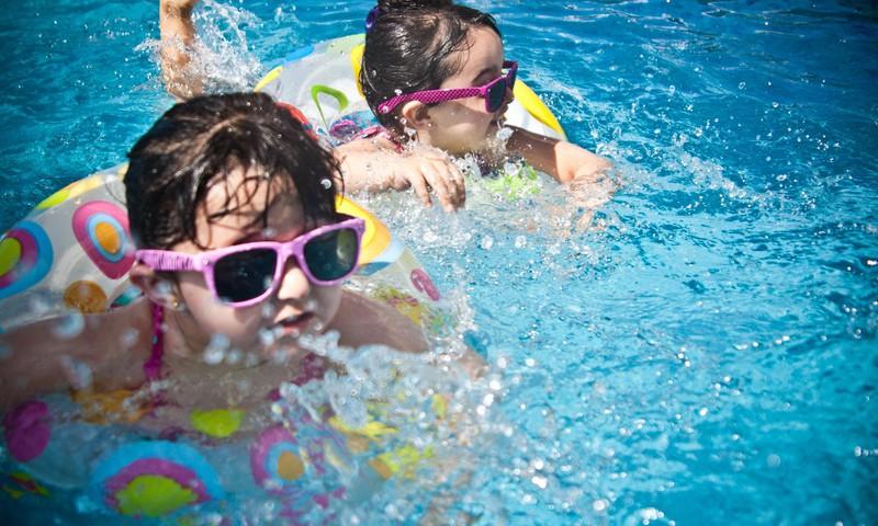 3 ieteikumi, lai pēc peldēšanās neiedzīvotos veselības problēmās