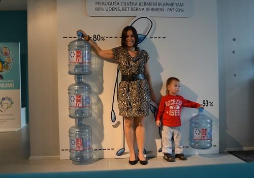 Ūdens jādzer pareizi, bet - cik daudz ūdens dienā būtu jāizdzer?