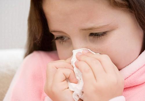 Viens bērns slimo: kā pasargāt otru