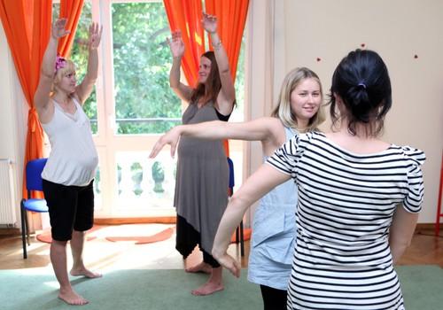 Deju un kustību terapija grūtniecības laikā! Nāc uz Grūtnieču dienu un uzzini vairāk!