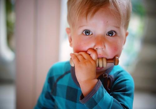 Kāpēc bērni pašapmierinās?