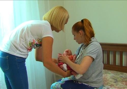 Māmiņas psihoemocionālais stāvoklis pēc dzemdībām: pirmā palīdzība mājās