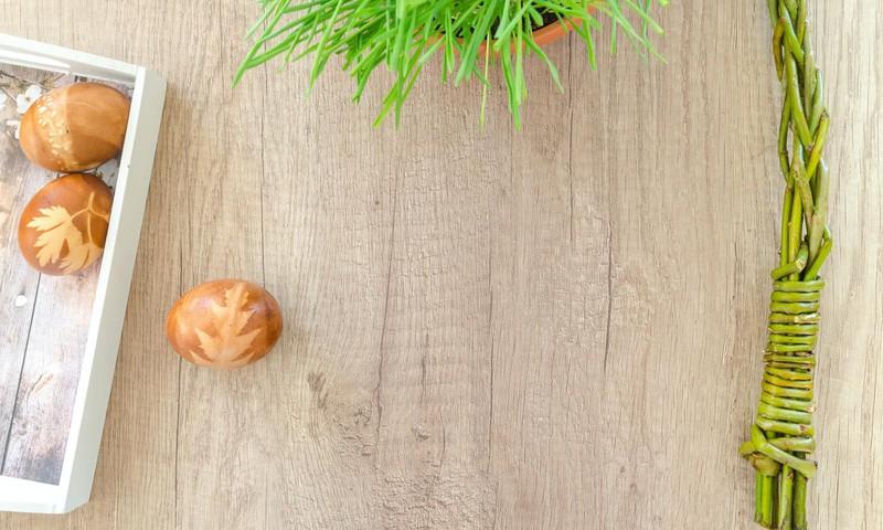 8 dabīgas Lieldienu olu krāsošanas receptes un uztura padomi