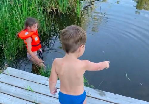 Tuvojas peldsezona. Kas jāatceras par bērna drošību ūdens tuvumā?