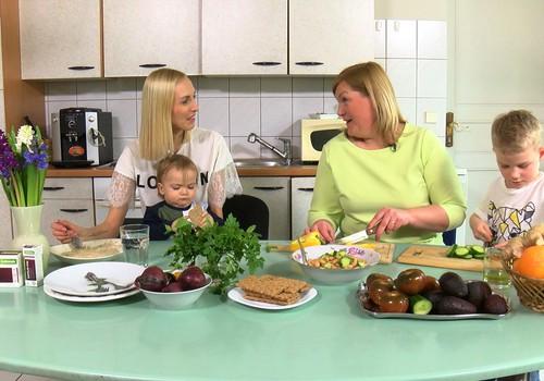 VIDEO: Kā pareizi atvadīties no liekajiem kilogramiem pēc dzemdībām