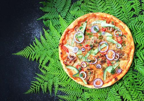 Oriģināla pica tradicionālās Jāņu garšās