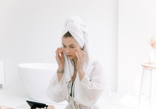 5 padomi, kā parūpēties par ādu, lietojot sejas masku. Iesaka farmaceite