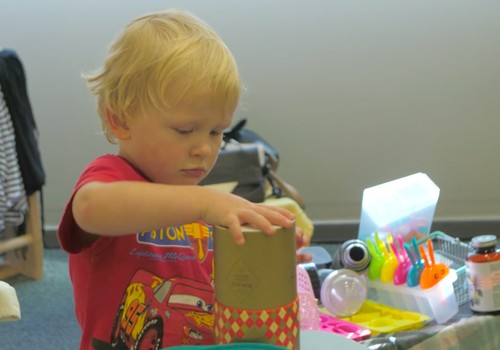 Kā notiek adaptācija Māmiņu Kluba Bērnudārzā?