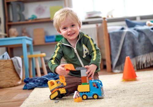 Kādus ieguvumus bērnam sniedz lomu spēles?