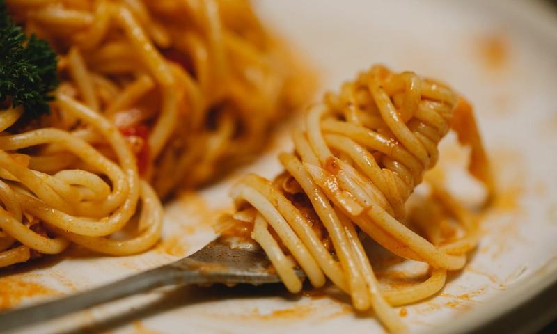 Skolu pusdienās arī šajā mācību gadā ēdinātāji varēs pasniegt vienu ēdienu, saglabājot noteiktās uzturvielu normas