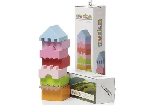 Facebook KONKURSS: Laimē interaktīvo koka piramīdu no ToysCity!