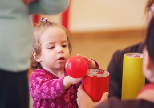 10 ikdienas aktivitātes, lai veicinātu bērna attīstību
