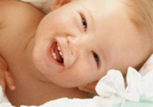Pirmie zobiņi mazulim