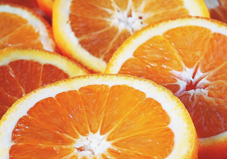 Pamodini savu ādu ar Eucerin C vitamīna serumu