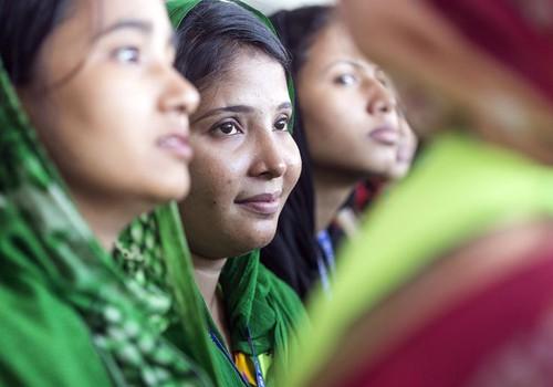 Lindex atzīmē Starptautisko sieviešu dienu, īpaši izceļot tekstilrūpniecībā strādājošās sievietes