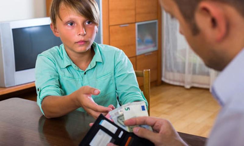 Cik naudas dot bērnam? Kabatas nauda: 6 noteikumi