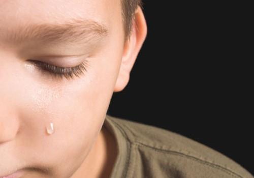 Astoņus gadus vecs bērns ir ļoti raudulīgs. Kāpēc tā?