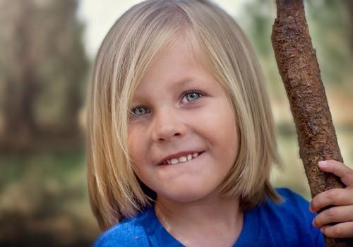 Psiholoģe norāda: uz vienu aizrādījumu bērnam vajadzīgas piecas uzslavas!