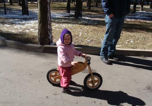 Meitas pirmais velosipēds - balansieris!