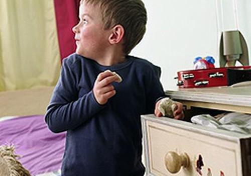 Bērns bez atļaujas ņem svešas mantas