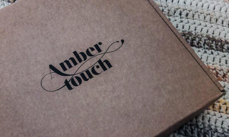 Testējam AmberTouch dzintara diegu palagu šūpulītim