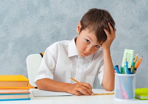 Bērns apgūst svešvalodu – kas jāņem vērā dažādās vecuma grupās?