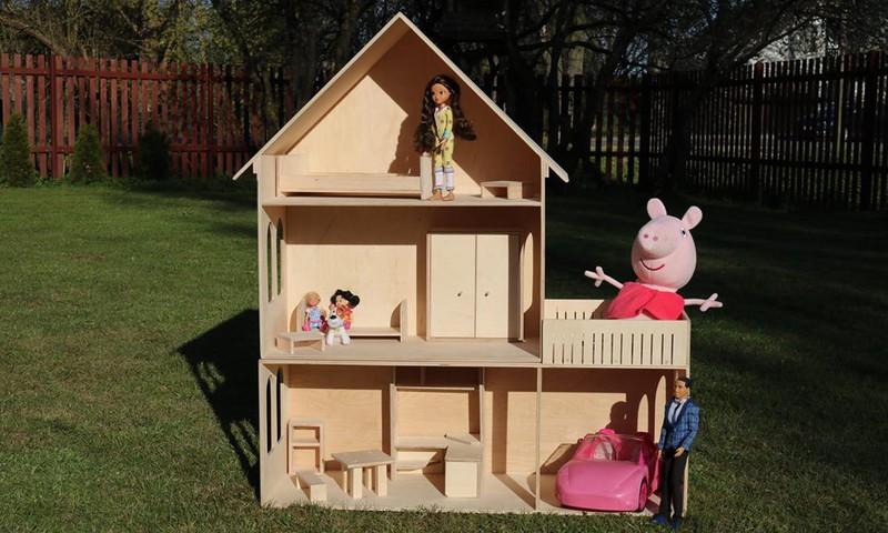 Facebook KONKURSS: Laimē superīgu leļļu māju!