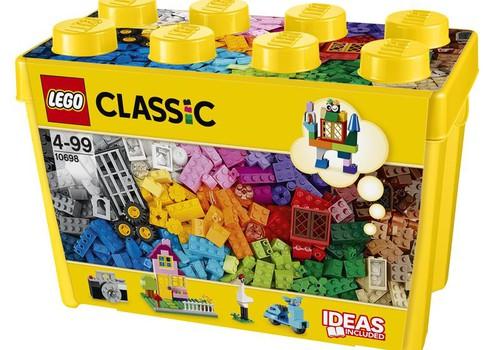 Kurš ticis pie LEGO® lielā kluču komplekta?