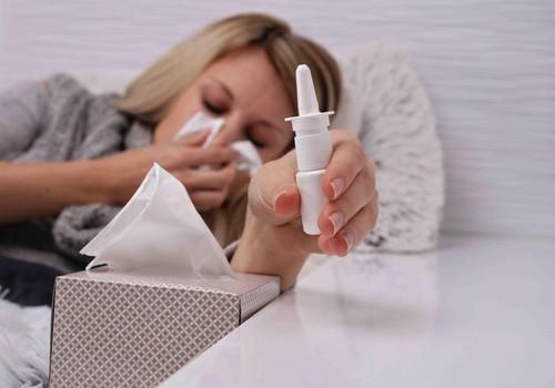 Trieciens saaukstēšanās simptomiem – karstie dzērieni. Farmaceite skaidro to ieguvumus un iespējamās priekšrocības un trūkumus